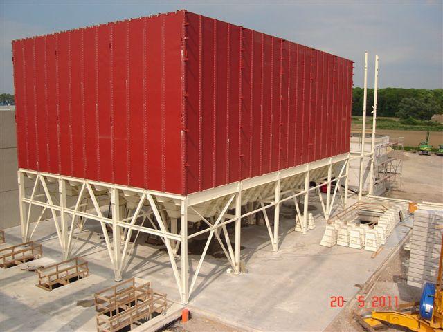 Square modular silos for grain