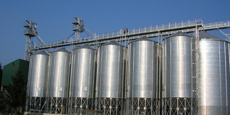 Conical bottom silos