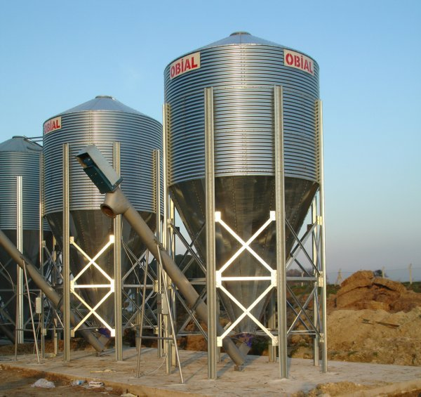 Silos OBIAL with conical bottom for animal feed