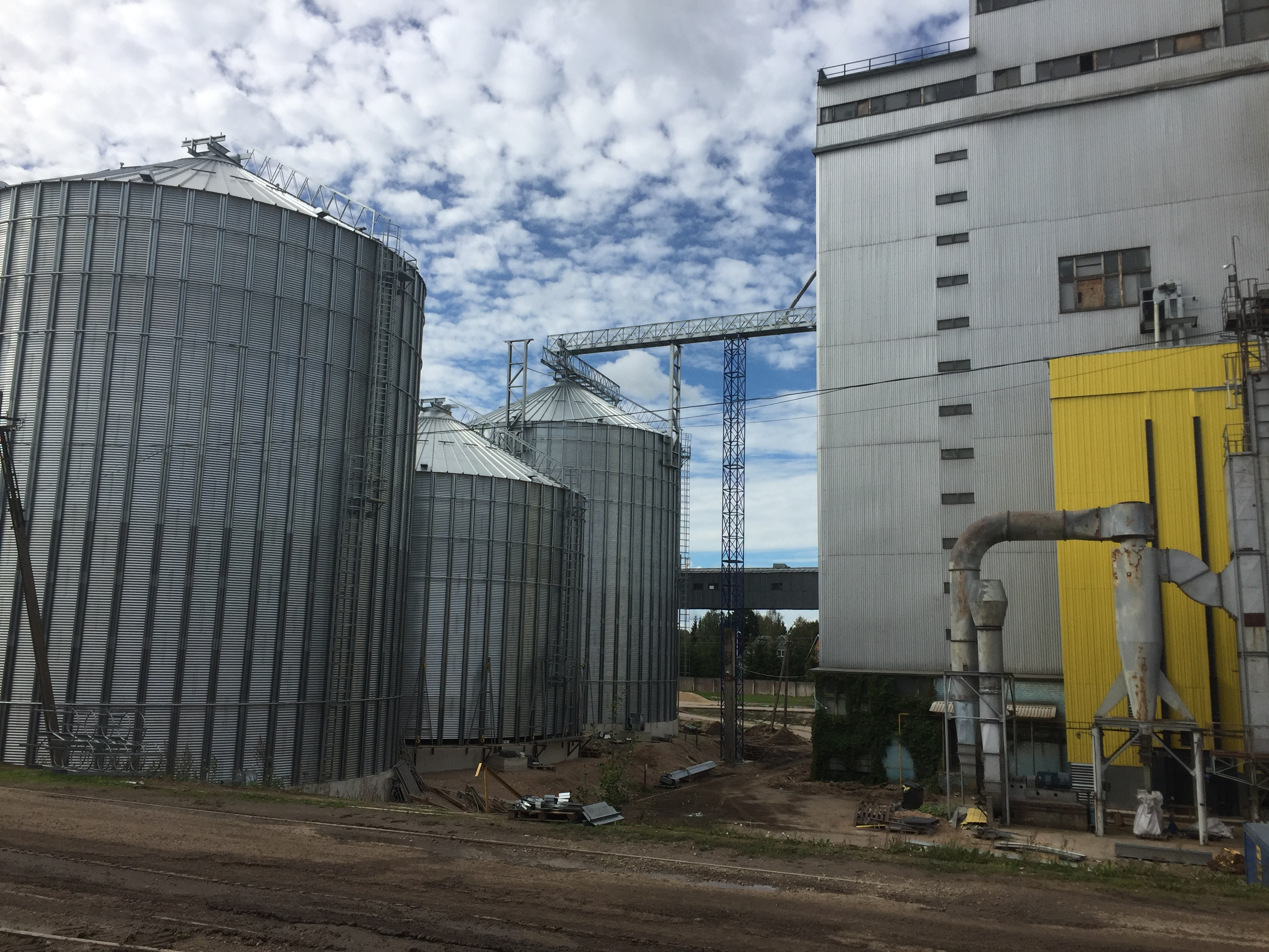 Grain silos and dryer assembling, Scandagra