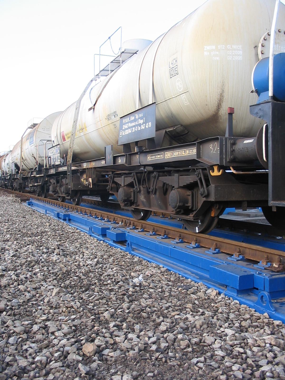 Dzelzceļa svari bez pamata